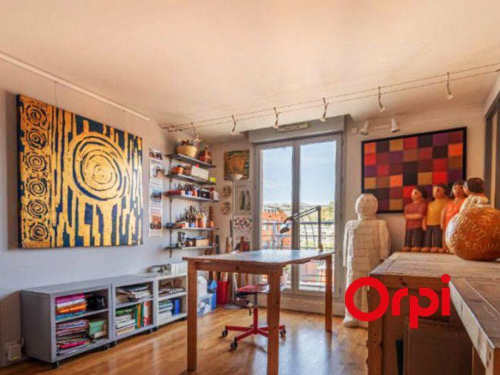 Appartement à vendre 4 112.65m2 à Lyon 6 vignette-6