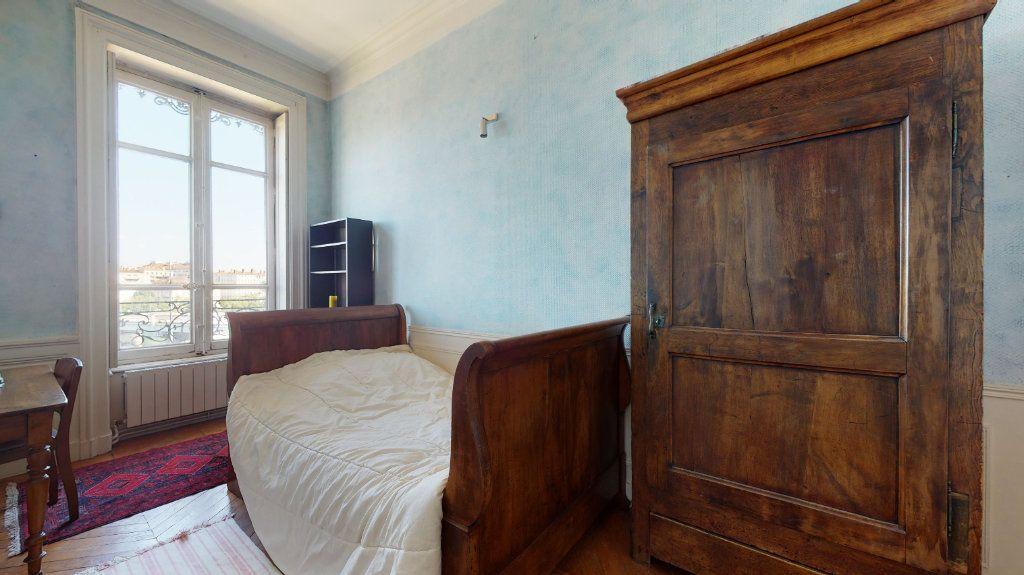 Appartement à louer 4 128.15m2 à Lyon 1 vignette-4
