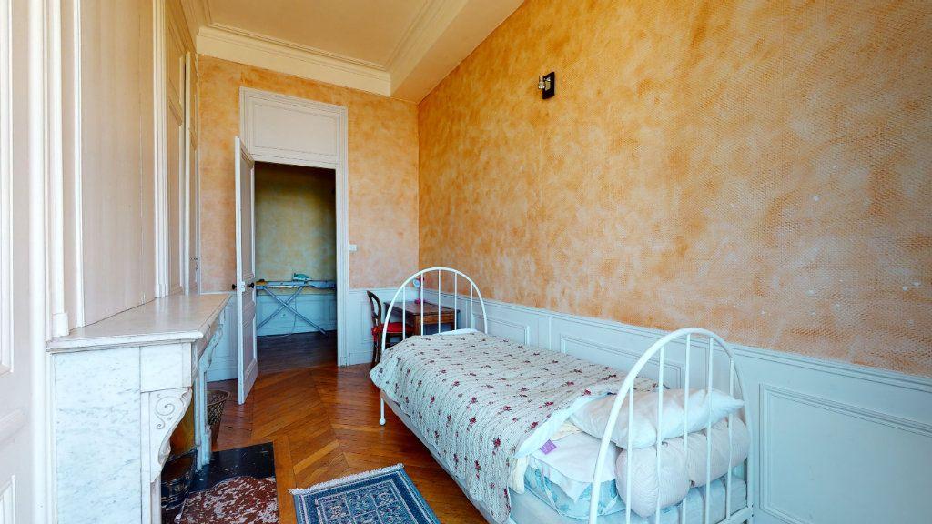 Appartement à louer 4 128.15m2 à Lyon 1 vignette-5