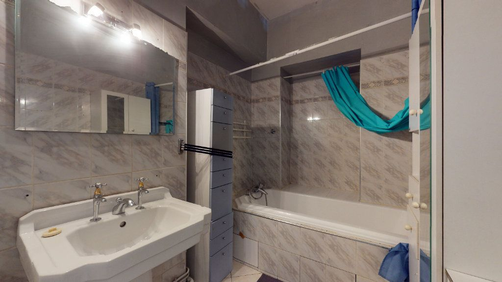 Appartement à louer 4 128.15m2 à Lyon 1 vignette-8