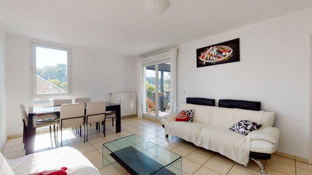 Appartement à louer 3 66.07m2 à Lyon 9 vignette-1