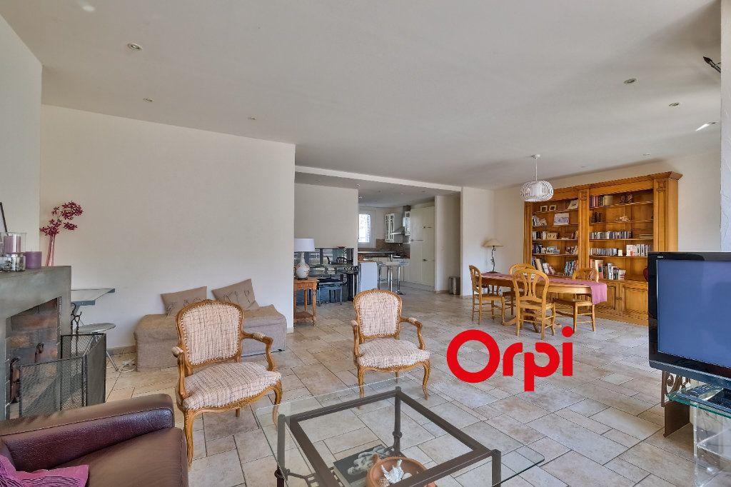 Appartement à vendre 3 101m2 à Lyon 6 vignette-4