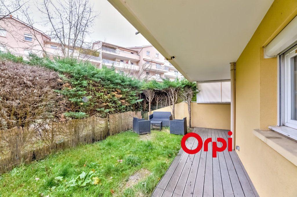 Appartement à vendre 3 63m2 à Tassin-la-Demi-Lune vignette-2