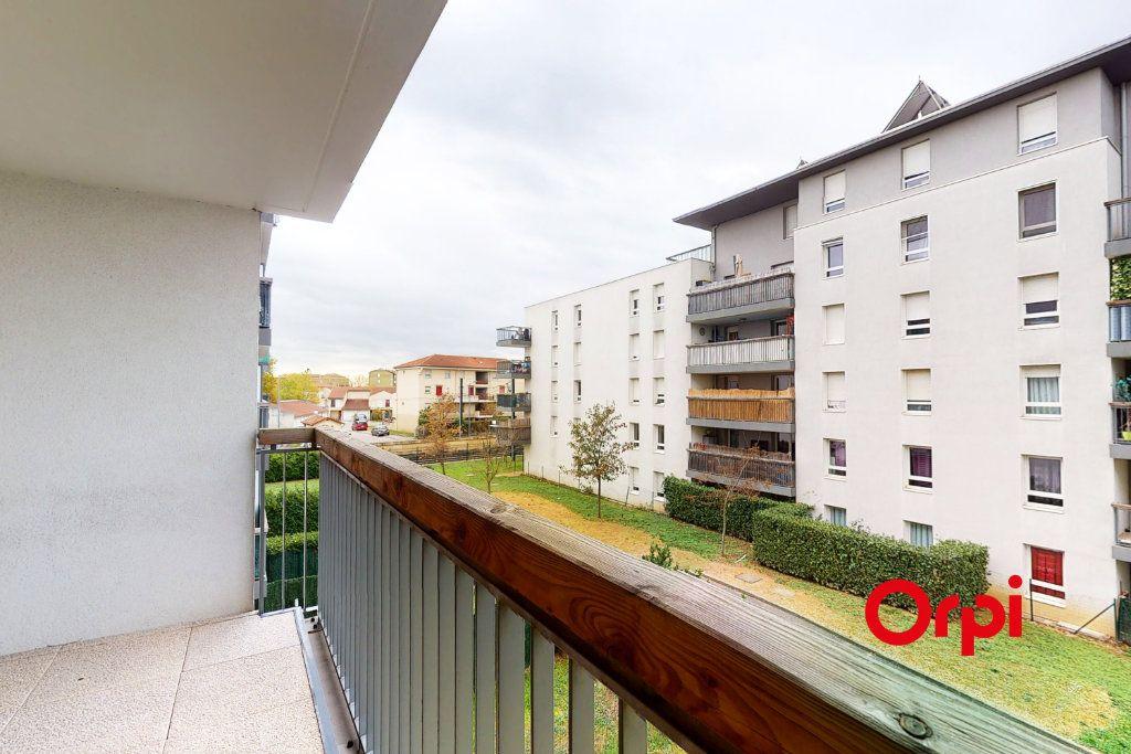 Appartement à louer 3 78m2 à Vaulx-en-Velin vignette-3