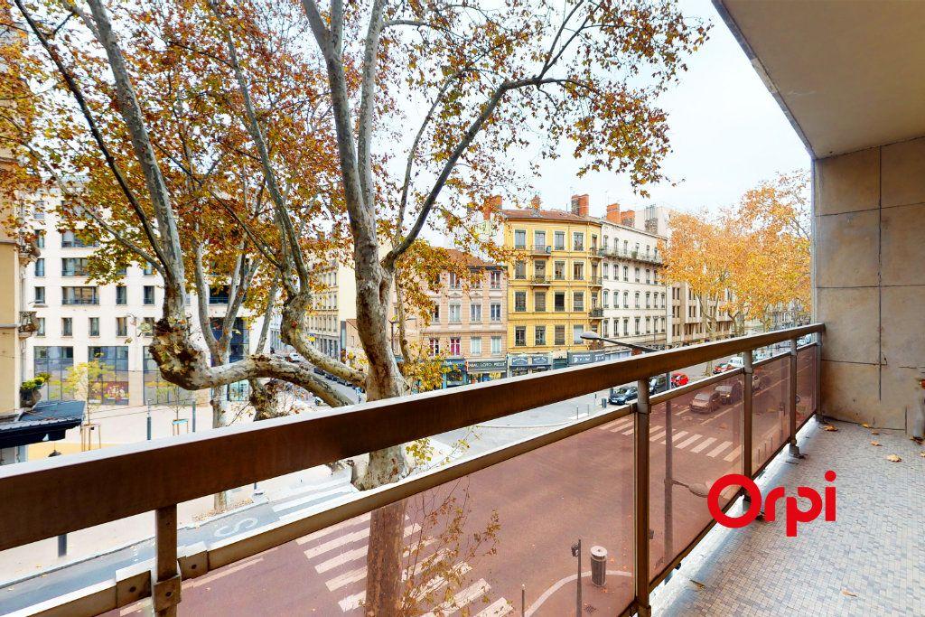 Appartement à vendre 3 82.85m2 à Lyon 3 vignette-1