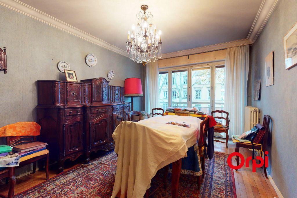 Appartement à vendre 3 82.85m2 à Lyon 3 vignette-4