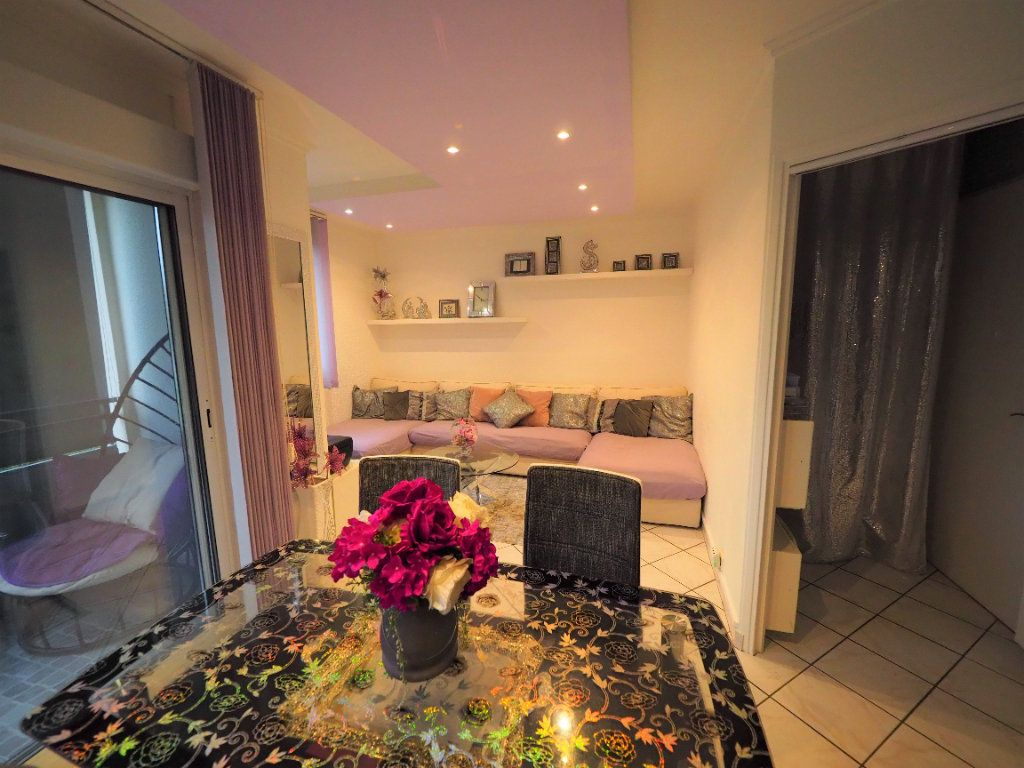 Appartement à vendre 4 74m2 à Lyon 5 vignette-4