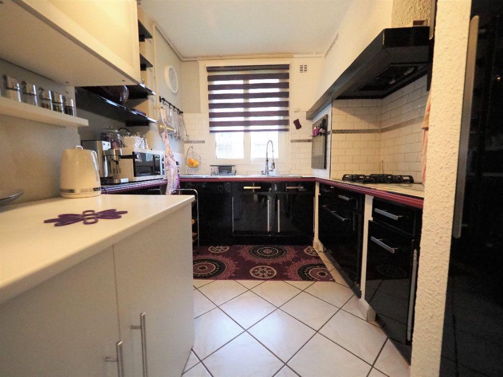 Appartement à vendre 4 74m2 à Lyon 5 vignette-6
