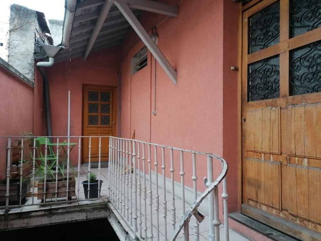 Appartement à vendre 3 52.39m2 à Lyon 9 vignette-1