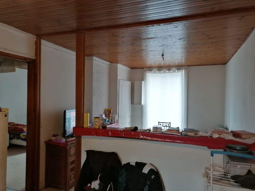 Appartement à vendre 3 52.39m2 à Lyon 9 vignette-2