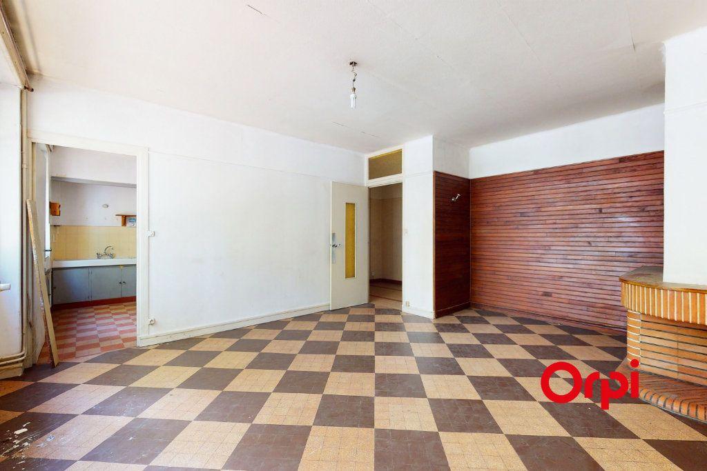 Appartement à vendre 4 93.73m2 à Lyon 8 vignette-3
