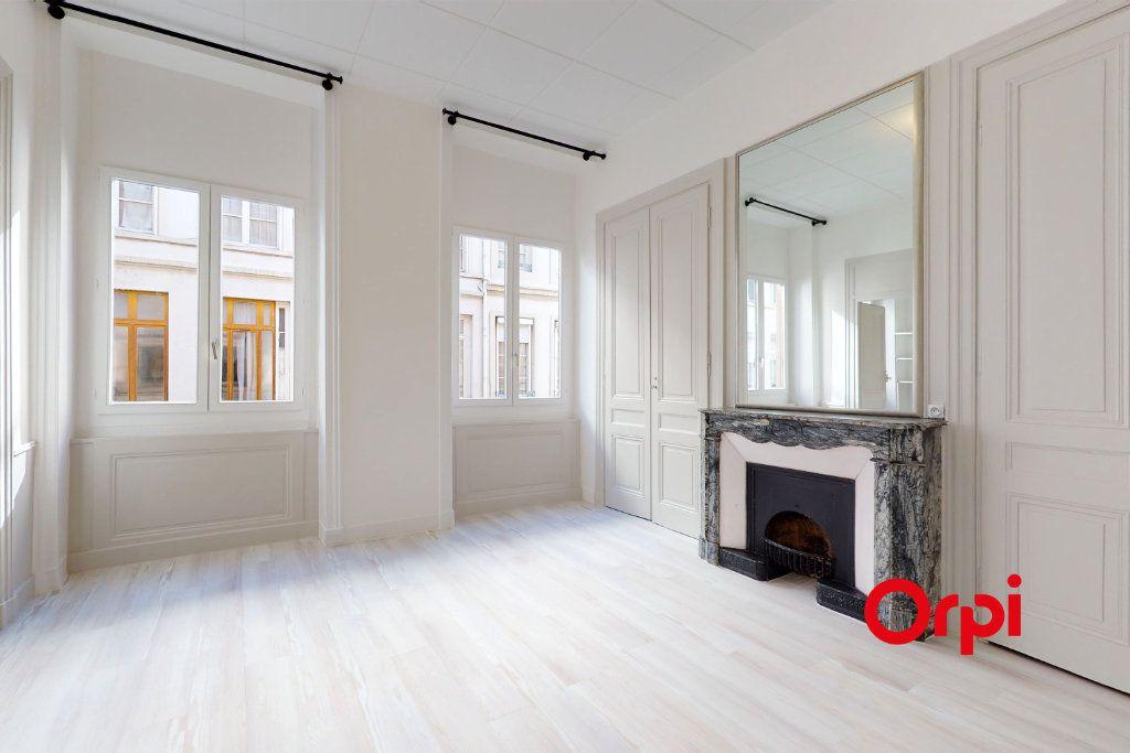Appartement à vendre 3 64.33m2 à Lyon 6 vignette-2
