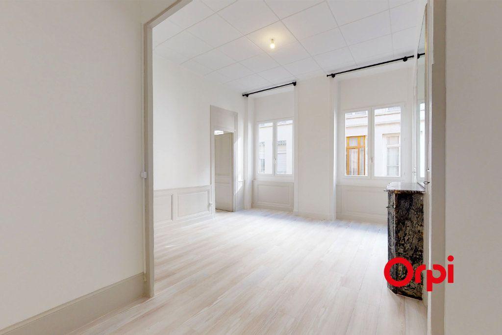 Appartement à vendre 3 70m2 à Lyon 6 vignette-6