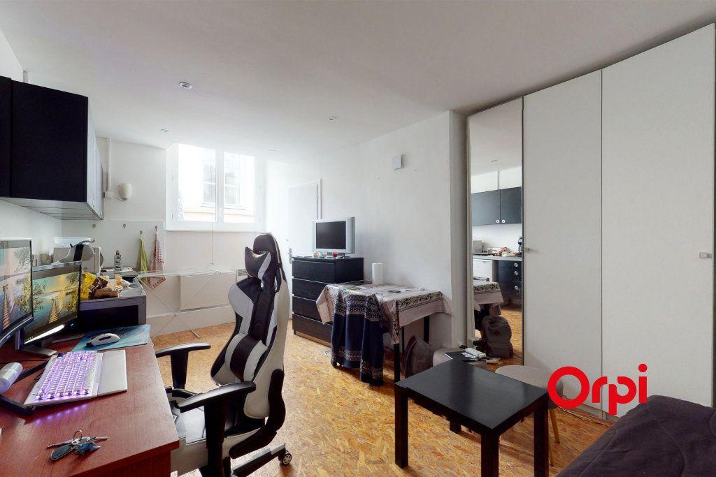 Appartement à vendre 1 19.53m2 à Lyon 1 vignette-1