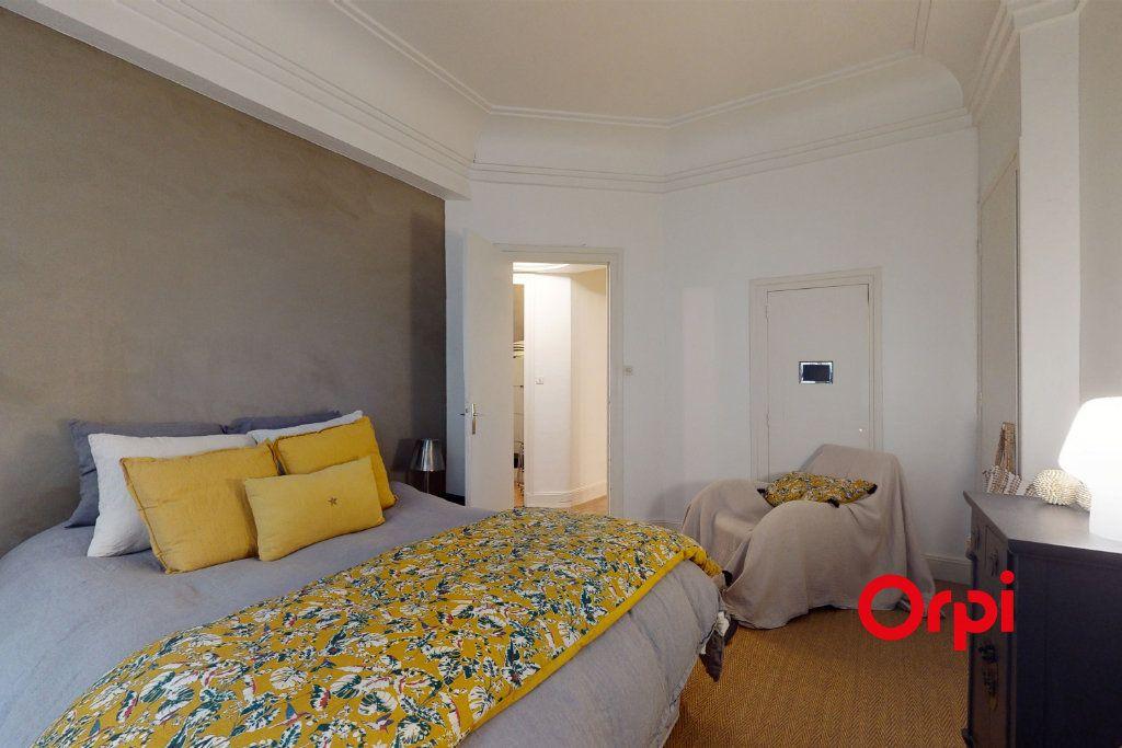 Appartement à vendre 5 160.16m2 à Lyon 1 vignette-6