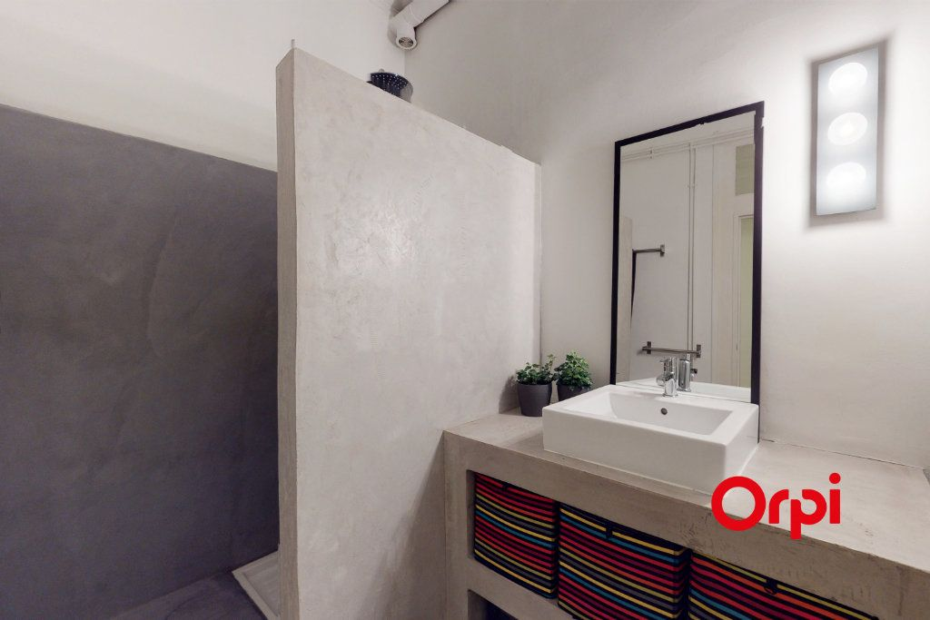 Appartement à vendre 5 160.16m2 à Lyon 1 vignette-7