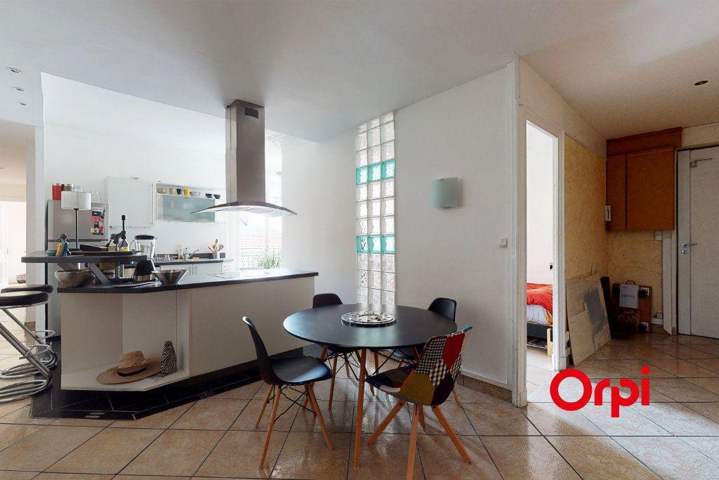 Appartement à vendre 4 82m2 à Lyon 2 vignette-1