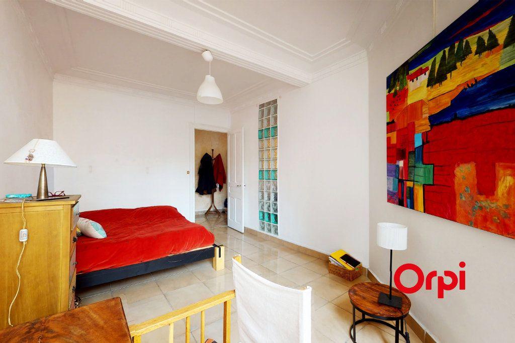 Appartement à vendre 4 82m2 à Lyon 2 vignette-2