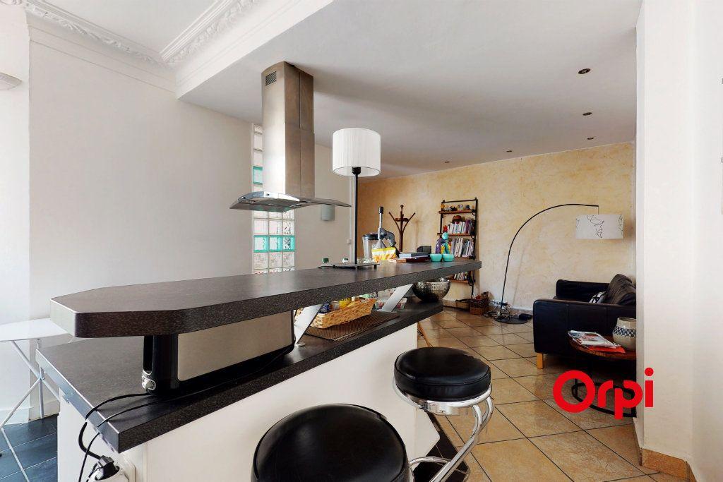Appartement à vendre 4 82m2 à Lyon 2 vignette-3