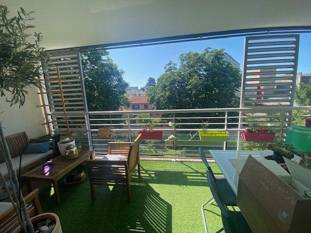 Appartement à vendre 3 70m2 à Champagne-au-Mont-d'Or vignette-2