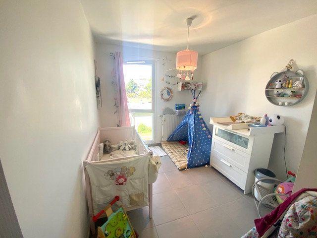 Appartement à vendre 3 70m2 à Champagne-au-Mont-d'Or vignette-6