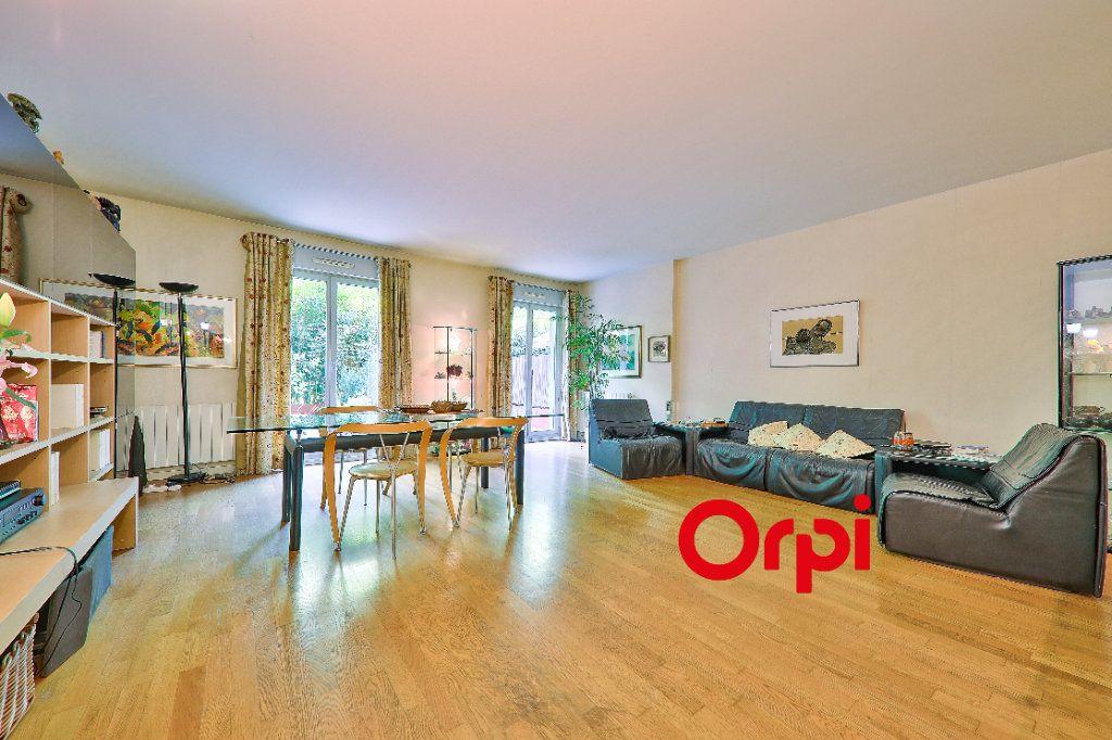 Appartement à vendre 5 127.83m2 à Lyon 6 vignette-4