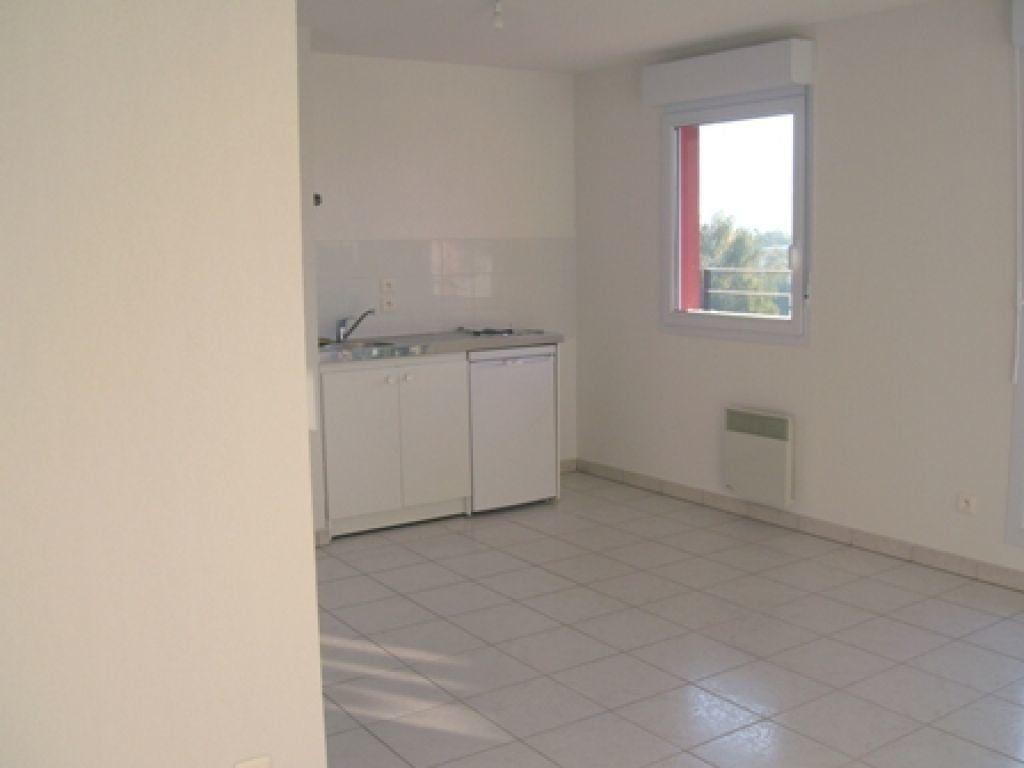 Appartement à louer 1 26m2 à Cluses vignette-3