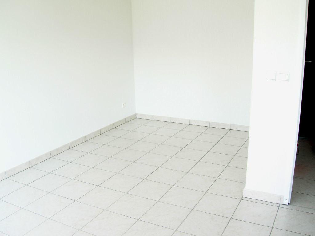 Appartement à louer 1 26m2 à Cluses vignette-4