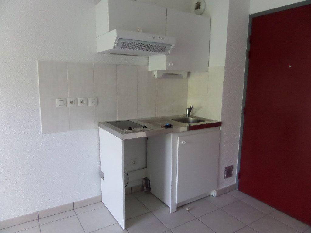 Appartement à louer 2 45.08m2 à Scionzier vignette-1