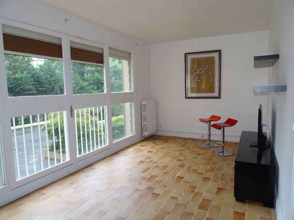 Appartement à louer 2 48m2 à Eaubonne vignette-1