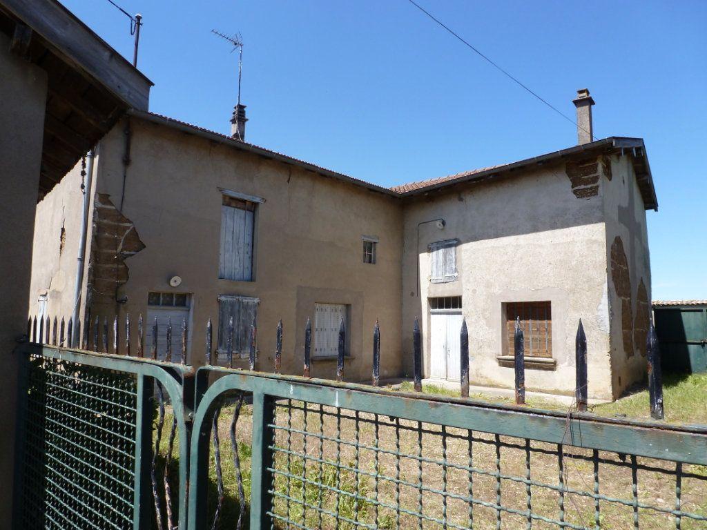 Maison à vendre 3 160m2 à Saint-Étienne-sur-Chalaronne vignette-1