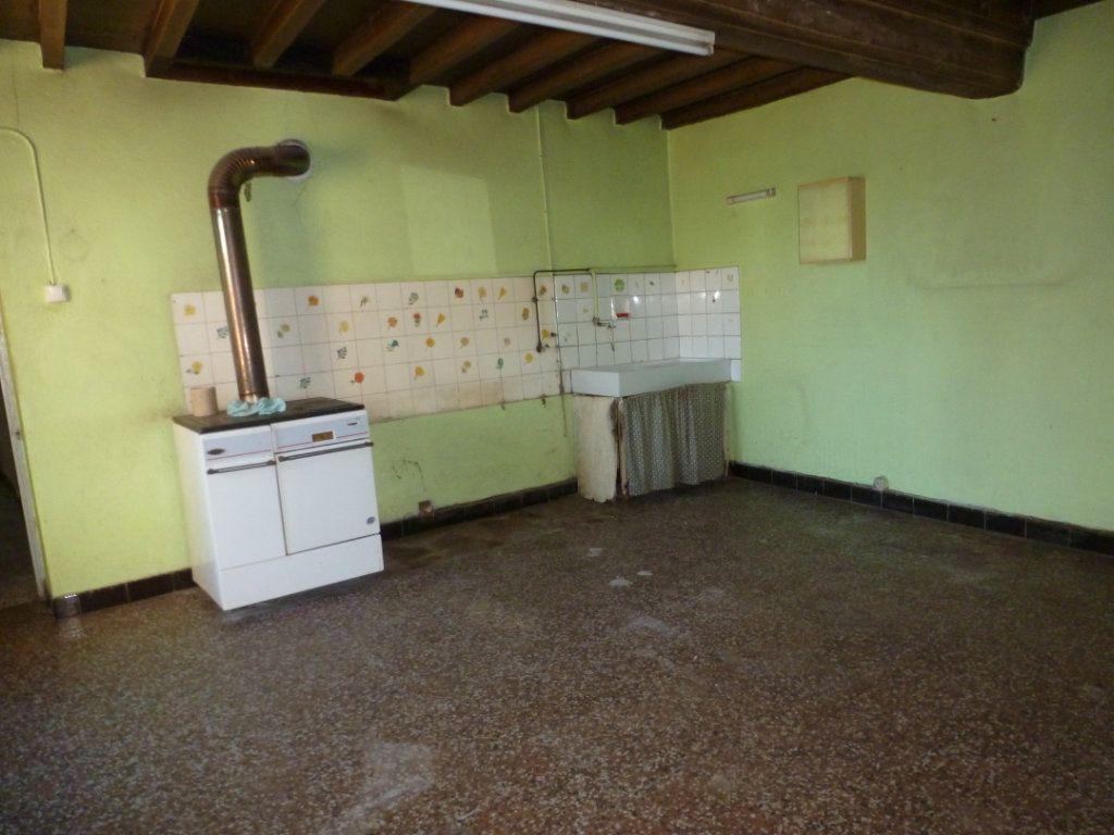 Maison à vendre 3 160m2 à Saint-Étienne-sur-Chalaronne vignette-3