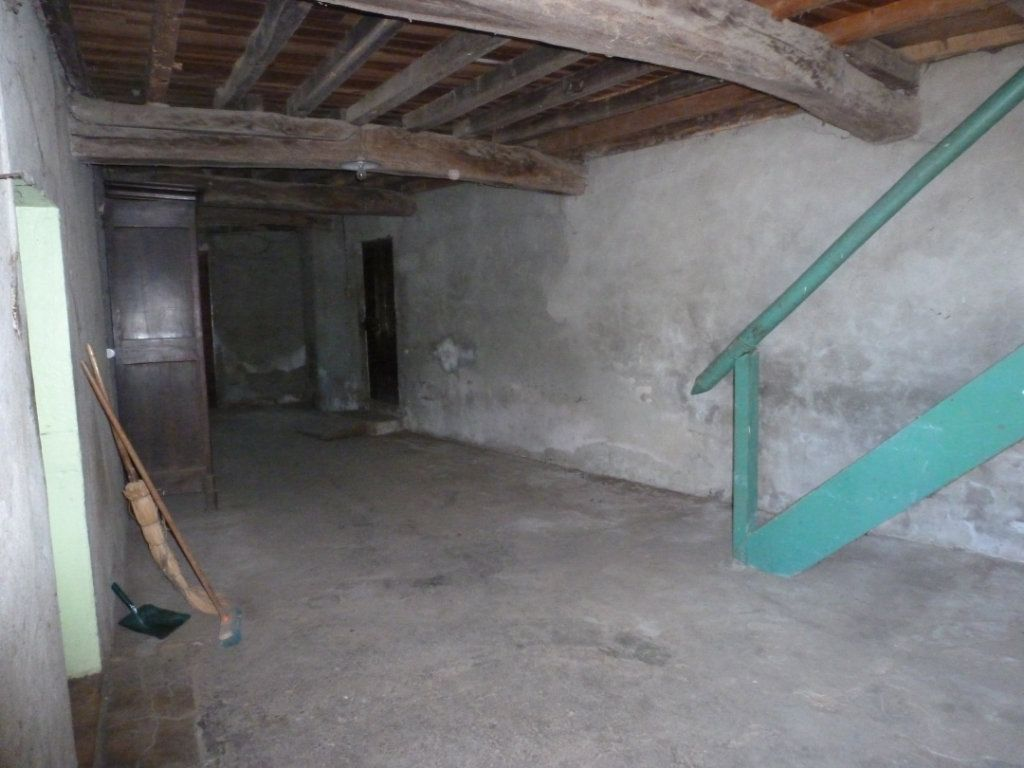 Maison à vendre 3 160m2 à Saint-Étienne-sur-Chalaronne vignette-4