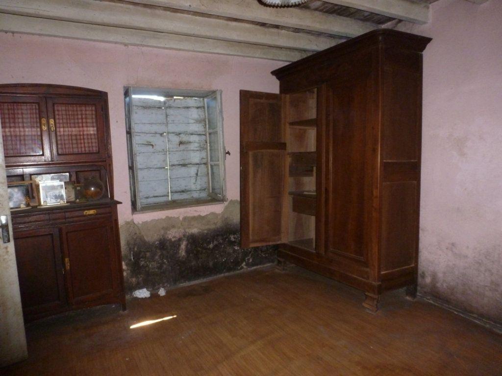 Maison à vendre 3 160m2 à Saint-Étienne-sur-Chalaronne vignette-6