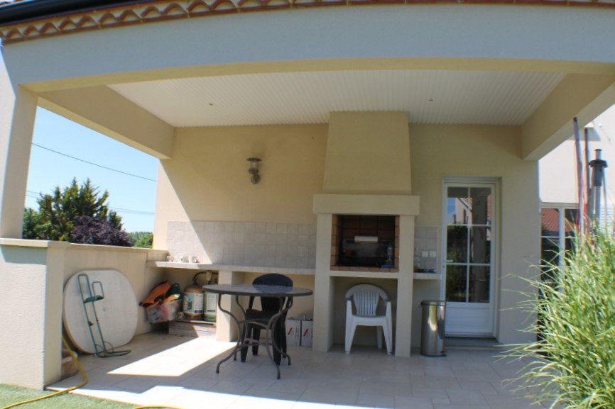 Maison à vendre 8 183.65m2 à Saint-André-de-Cubzac vignette-7