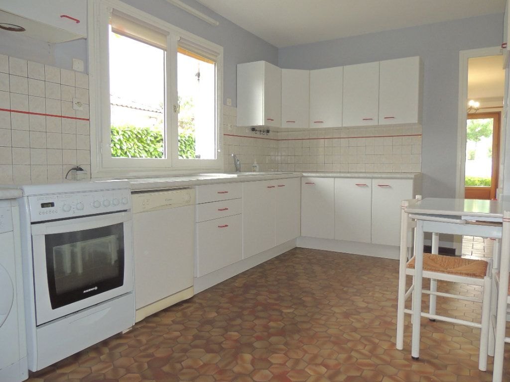 Maison à vendre 4 105.76m2 à Mérignac vignette-3