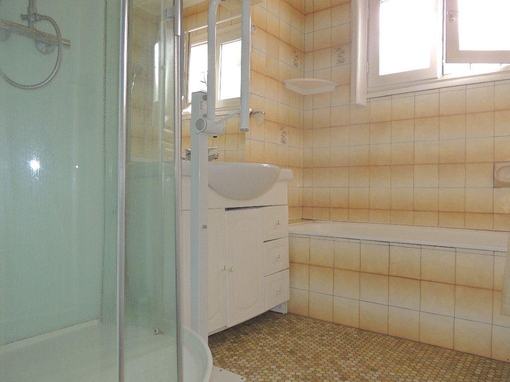 Maison à vendre 4 105.76m2 à Mérignac vignette-4