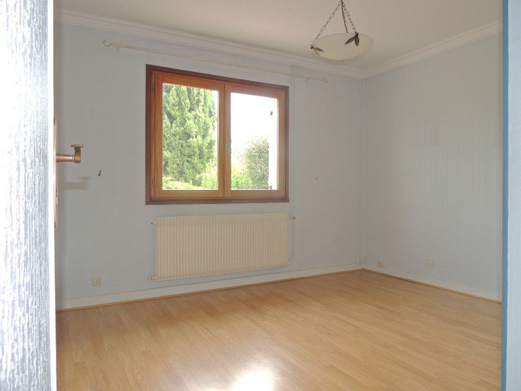 Maison à vendre 4 105.76m2 à Mérignac vignette-7