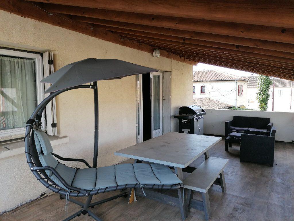 Maison à vendre 8 170m2 à Saint-Yzan-de-Soudiac vignette-5