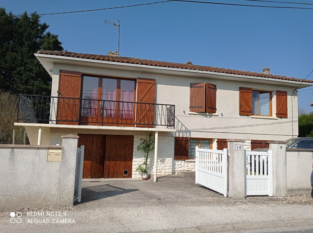 Maison à vendre 5 146m2 à Montendre vignette-2