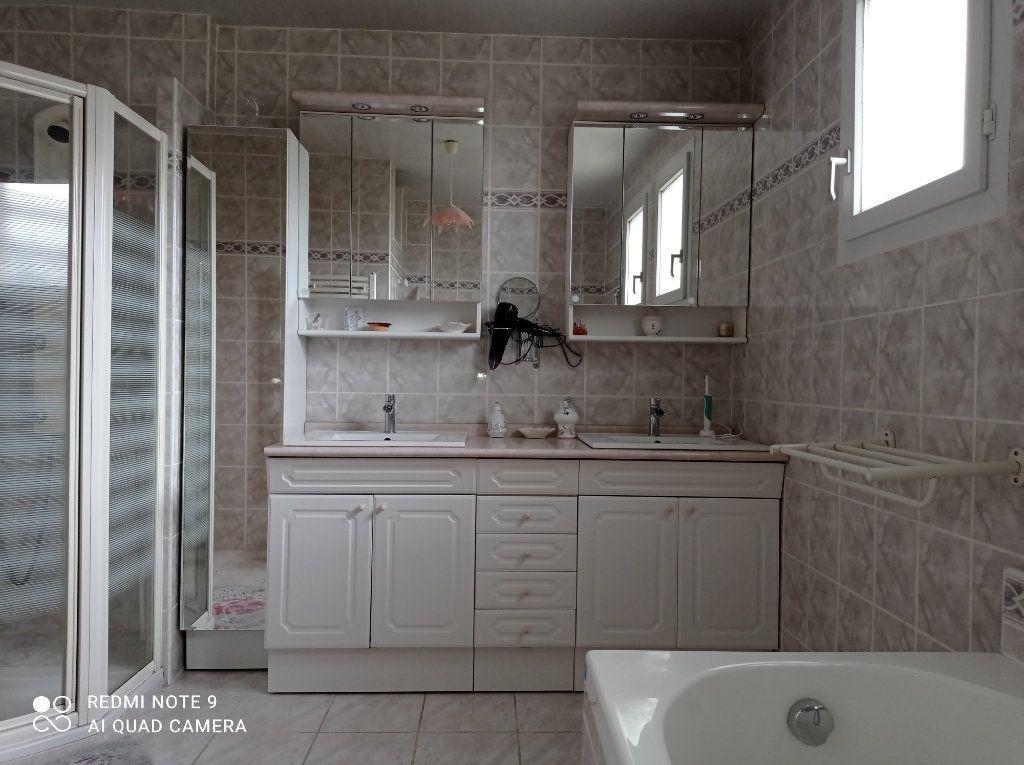 Maison à vendre 5 146m2 à Montendre vignette-13