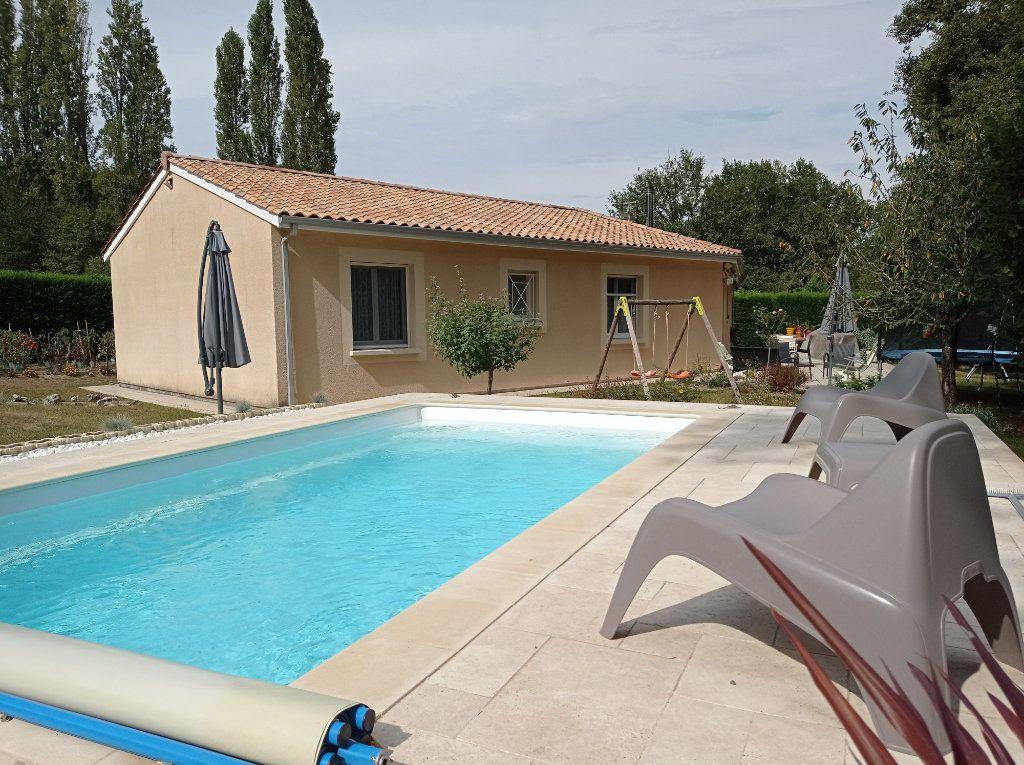 Maison à vendre 5 123m2 à Saint-André-de-Cubzac vignette-1
