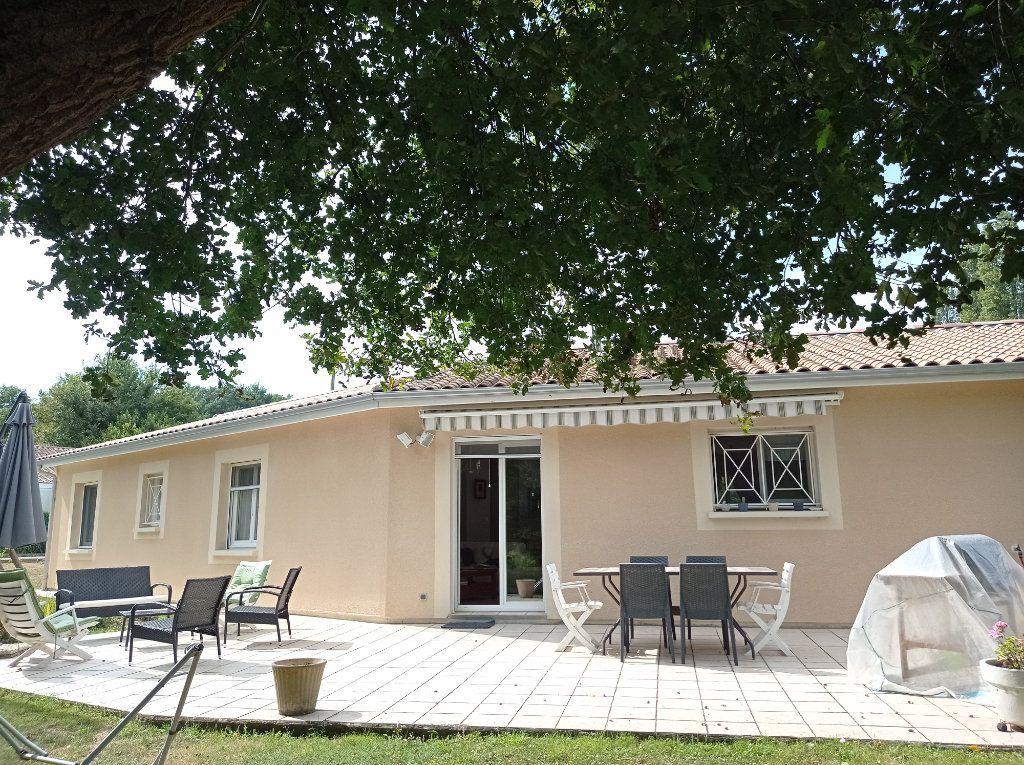 Maison à vendre 5 123m2 à Saint-André-de-Cubzac vignette-2
