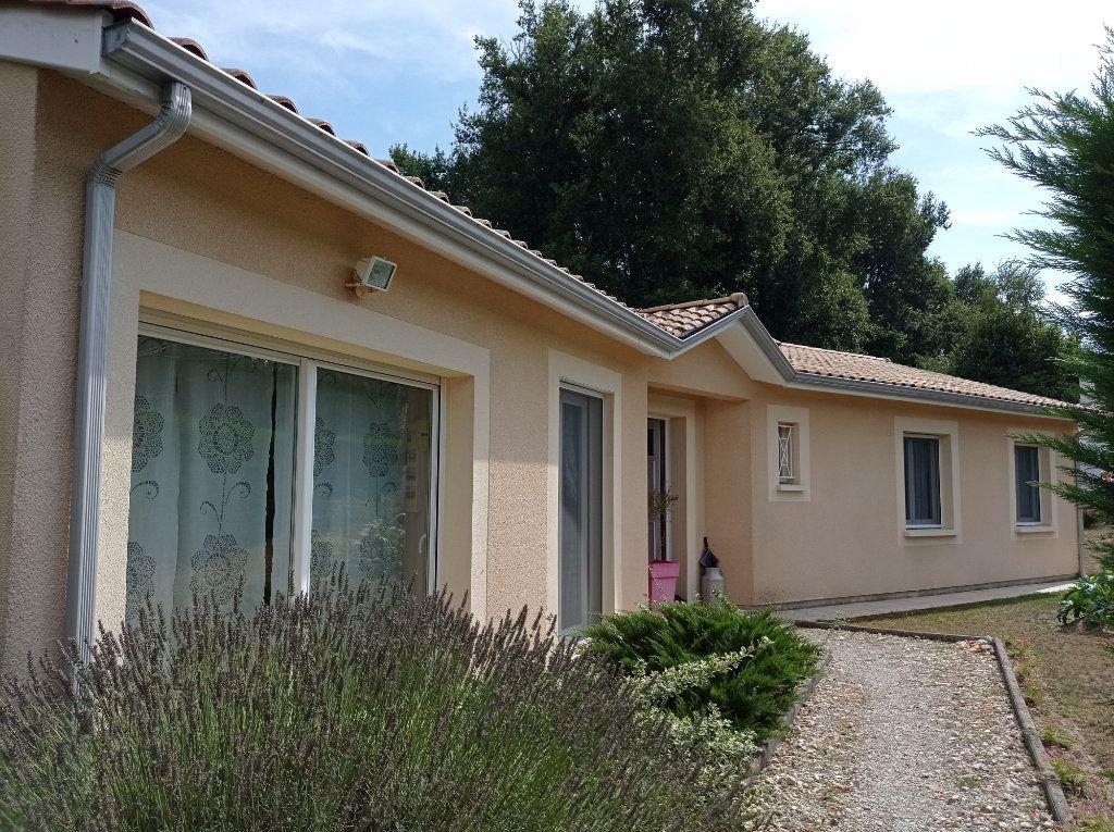 Maison à vendre 5 123m2 à Saint-André-de-Cubzac vignette-3