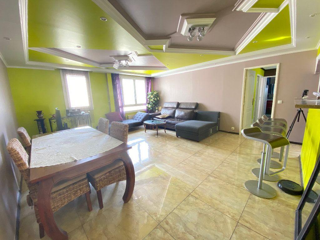 Appartement à vendre 3 70.77m2 à Villeparisis vignette-1