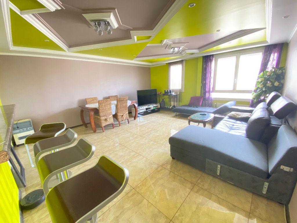Appartement à vendre 3 70.77m2 à Villeparisis vignette-2