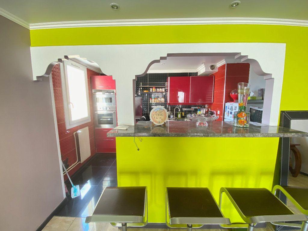 Appartement à vendre 3 70.77m2 à Villeparisis vignette-4