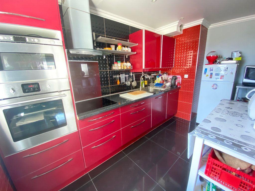 Appartement à vendre 3 70.77m2 à Villeparisis vignette-5