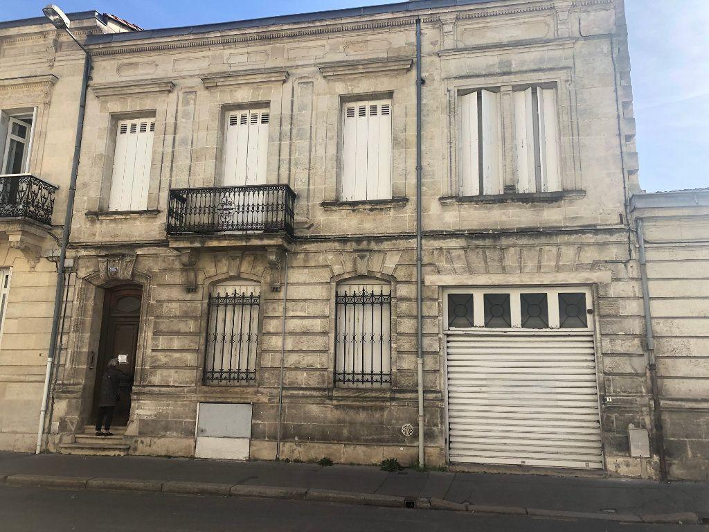 Maison à vendre 10 215m2 à Bordeaux vignette-1