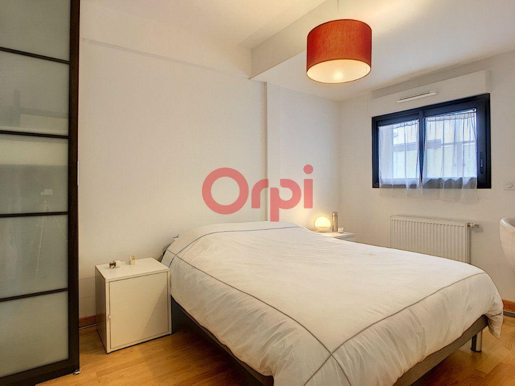 Appartement à vendre 3 62.09m2 à Bordeaux vignette-5